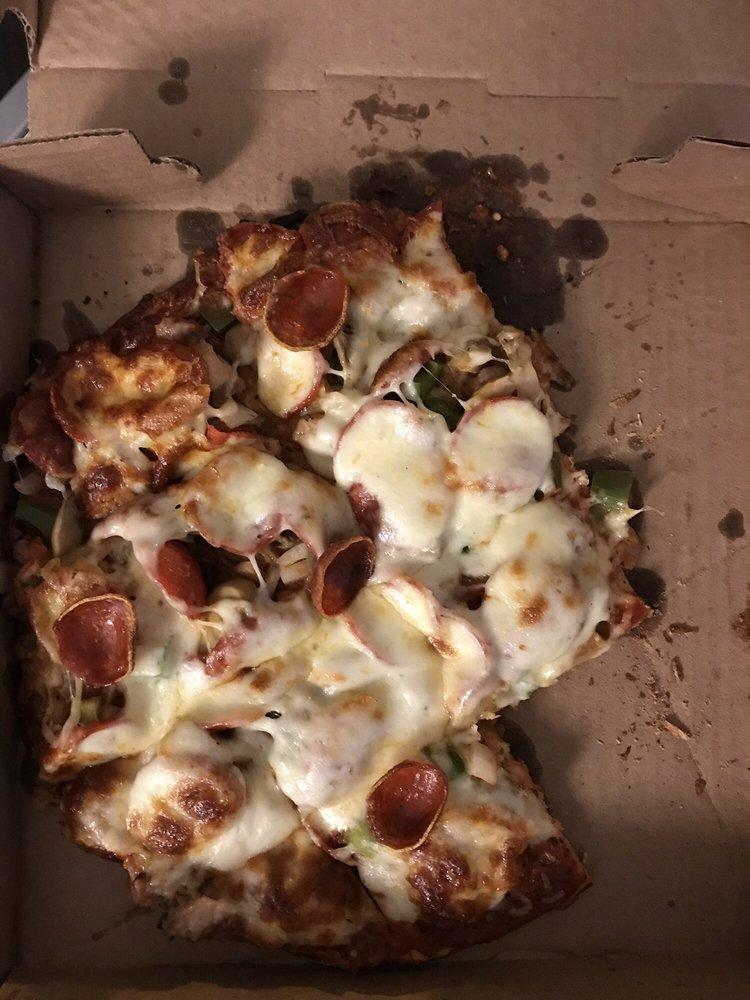 Geno's Pizza: 5110 Fairview Dr, Eau Claire, WI