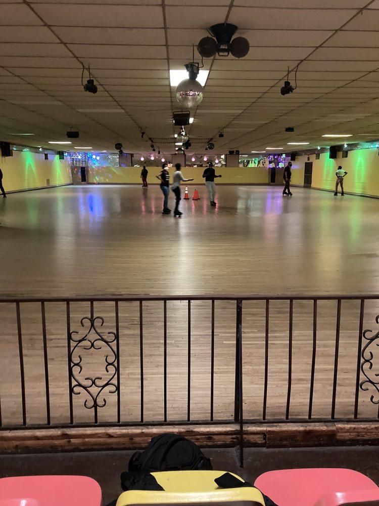 Hoover Skate Arena: 4623 Hoover Ave, Dayton, OH