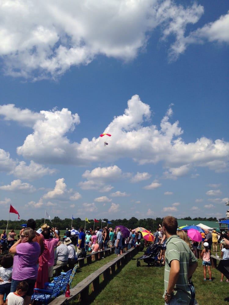Flying Circus Air Shows: 5114 Ritchie Rd, Bealeton, VA