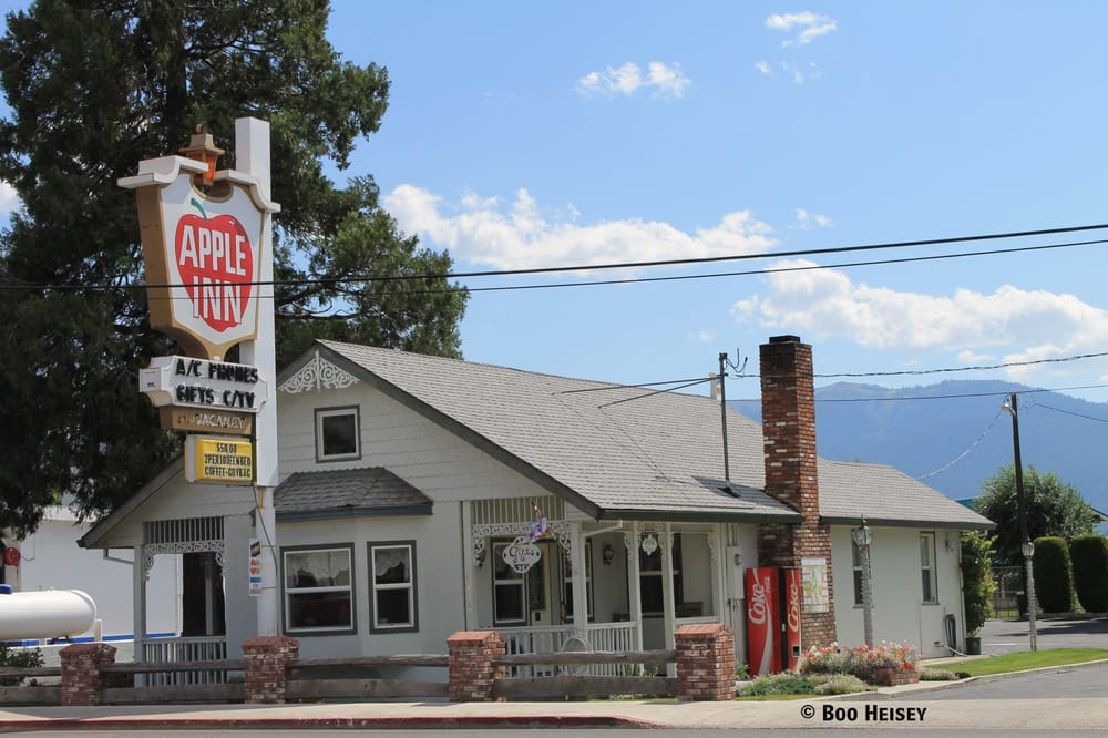 Apple Inn Motel & Gift Shop: 2720 Main St, Susanville, CA