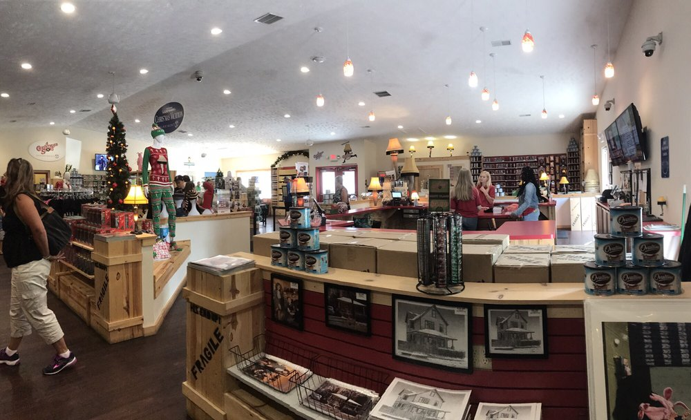 photo of a christmas story house and museum cleveland oh united states
