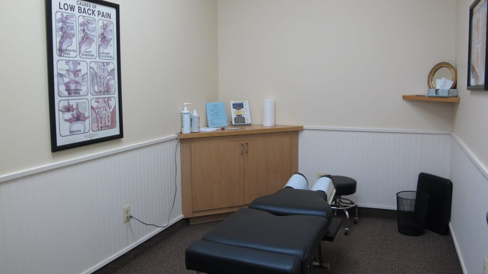 Fairfax Station Chiropractic & Wellness Center: 9015 Silverbrook Rd, Fairfax Station, VA