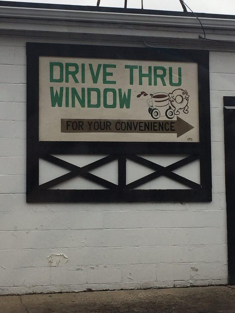 Holly Donut Shop: 421 N Saginaw St, Holly, MI