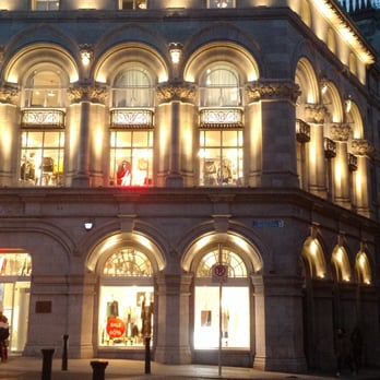 Hm flagship store 16 photos department stores 1 college green photo of hm flagship store dublin republic of ireland people were taking a solutioingenieria Gallery