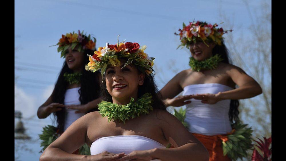 Hālau Ho'okahi I Ka Hula