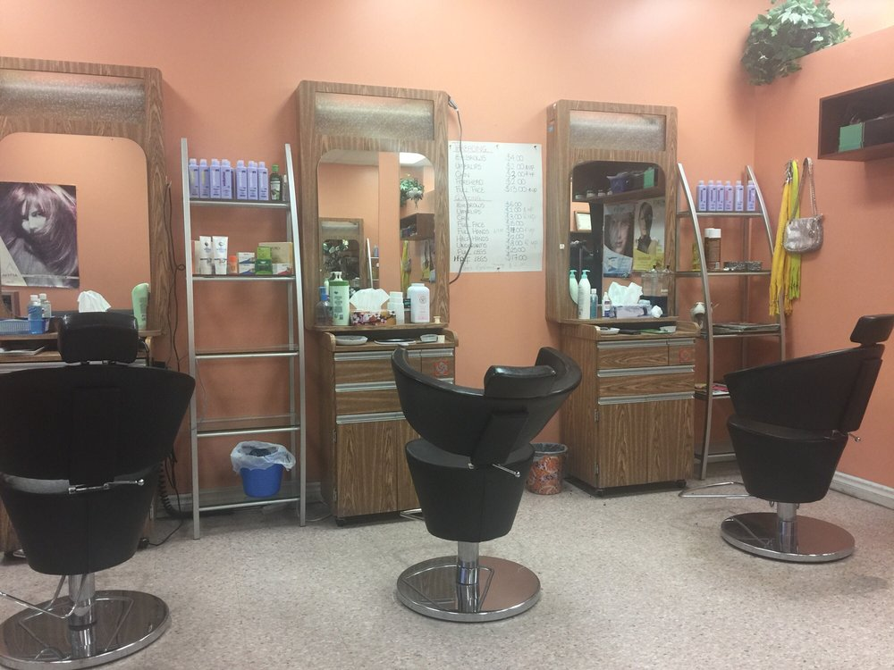 Kashmir Beauty Salon