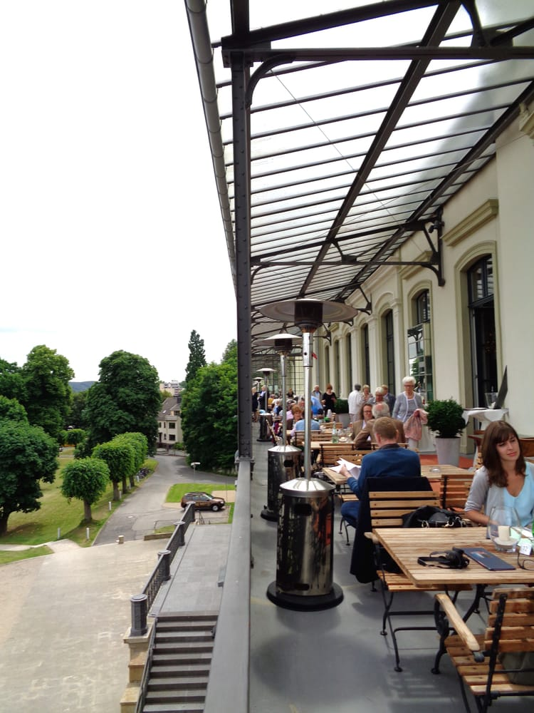 Restaurant balkon auf der i etage yelp for Interieur no 253