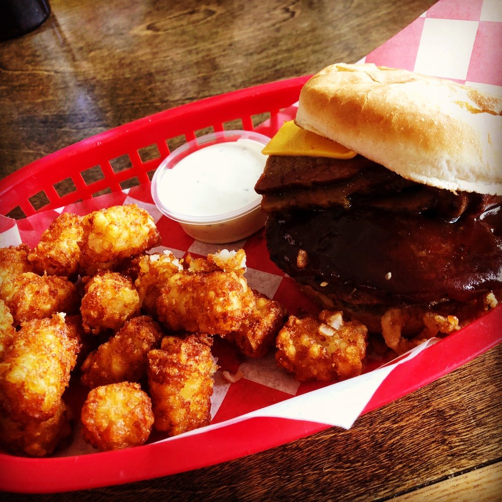 Dillon's Burgers and Beer: 49574 Twentynine Palms Hwy, Morongo Valley, CA