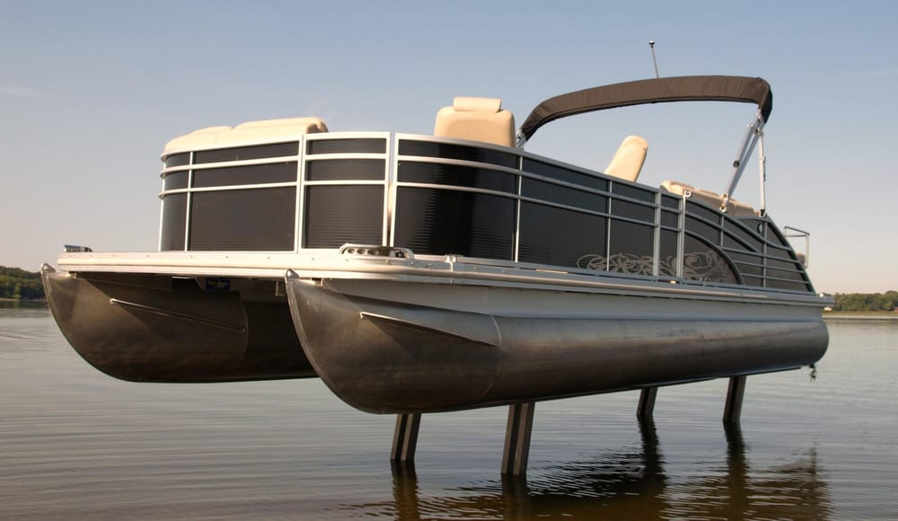 Don johnson motors marine cumberland wi 1866 elm st for Boat lift motors near me