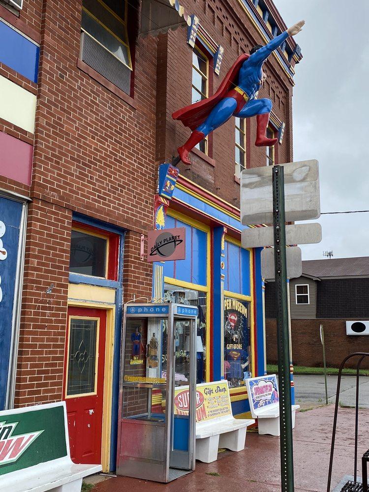 Super Museum & Souvenir Store: 517 Market St, Metropolis, IL