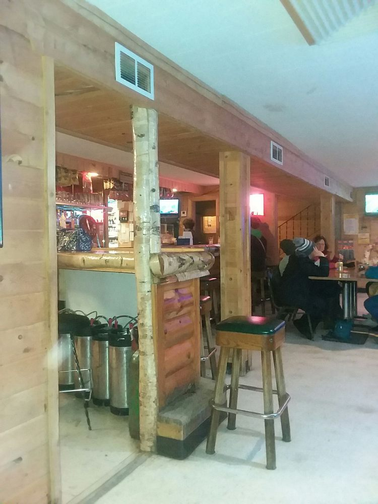 Bluffton Powerhouse & Liquors: 106 Center St, Bluffton, MN