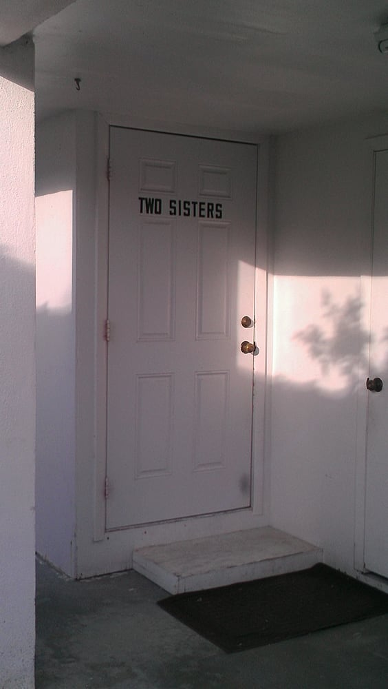 Two sisters nderungsschneiderei 27b 9th ave key west for Door to gate telefonnummer