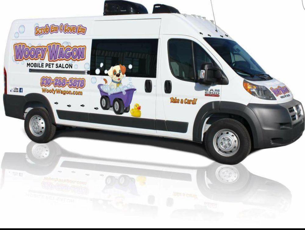 Woofy Wagon: New Braunfels, TX