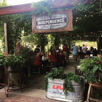 Independence beer garden 447 photos 402 reviews beer Independence beer garden philadelphia pa