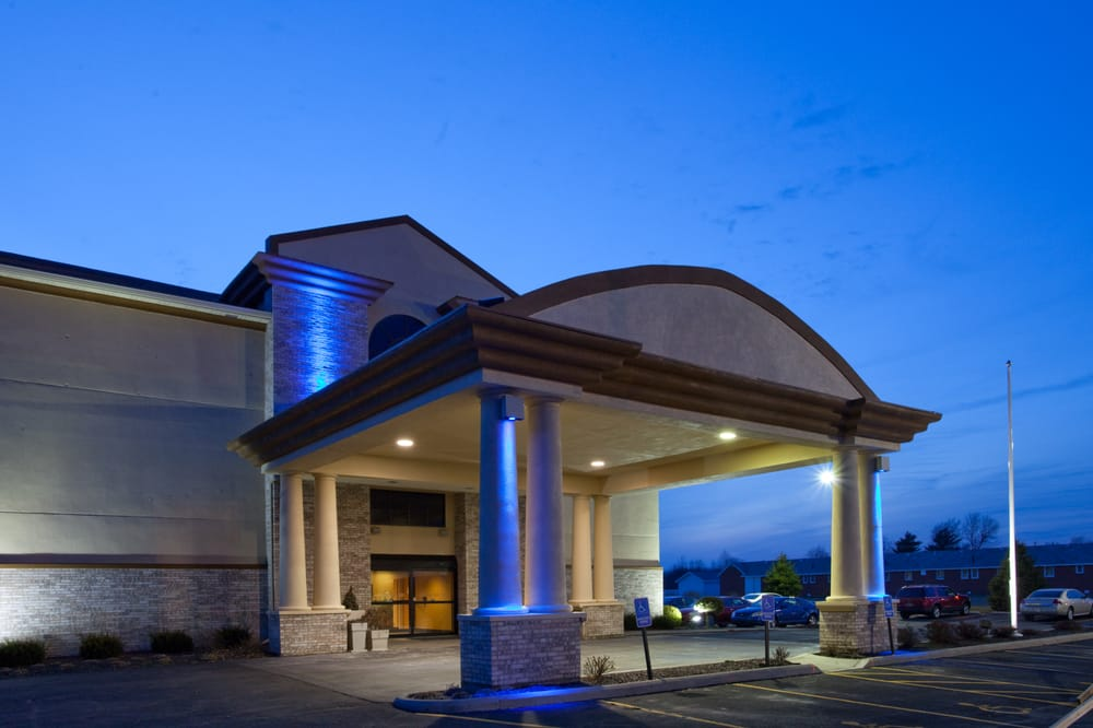 Holiday Inn Express & Suites Wauseon: 8135 State Rte 108, Wauseon, OH