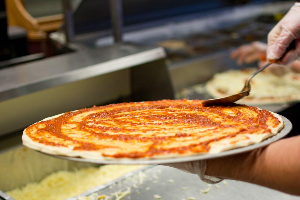 Neighborhood Pizza Cafe: 3550 N Glenstone Ave, Springfield, MO