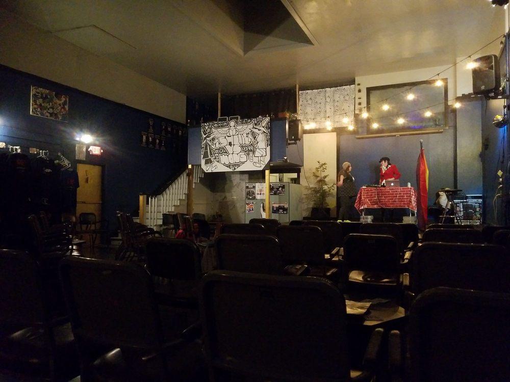 Savage Henry Comedy Club: 415 5th St, Eureka, CA