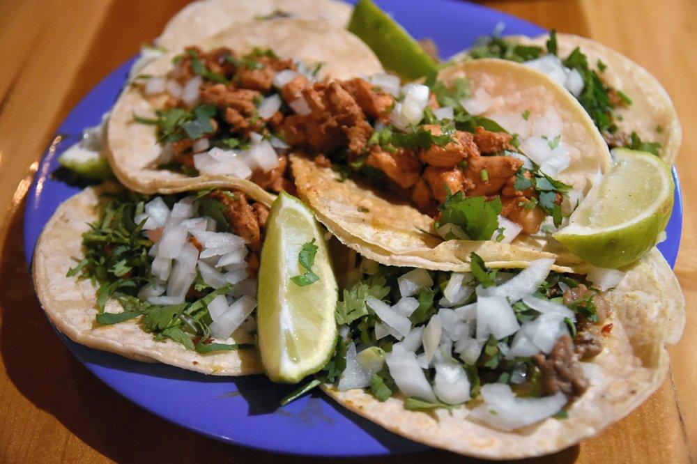 Food from El Come Taco