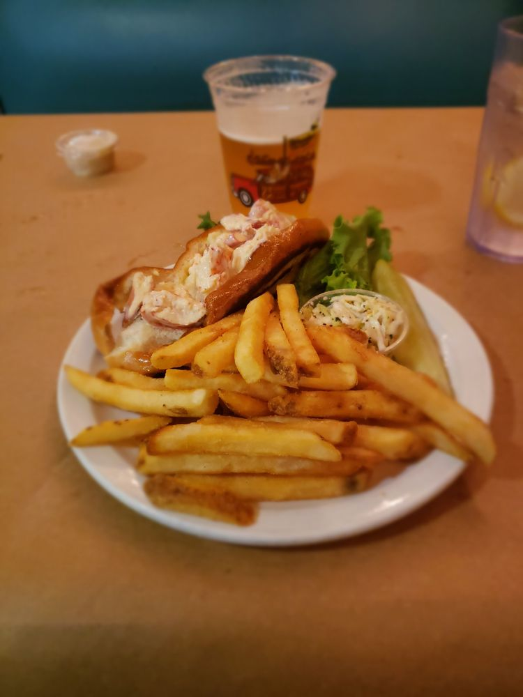 Woodys Crab House: 29 S Main St, North East, MD