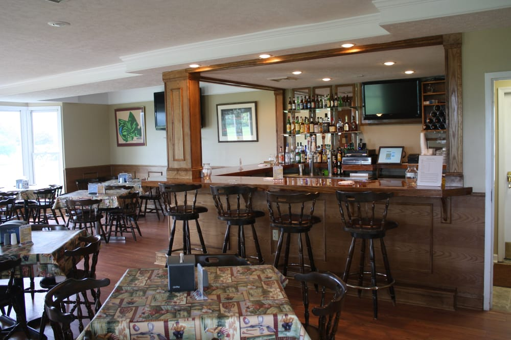 Winton Country Club: 599 Patrick Henry Hwy, Amherst, VA