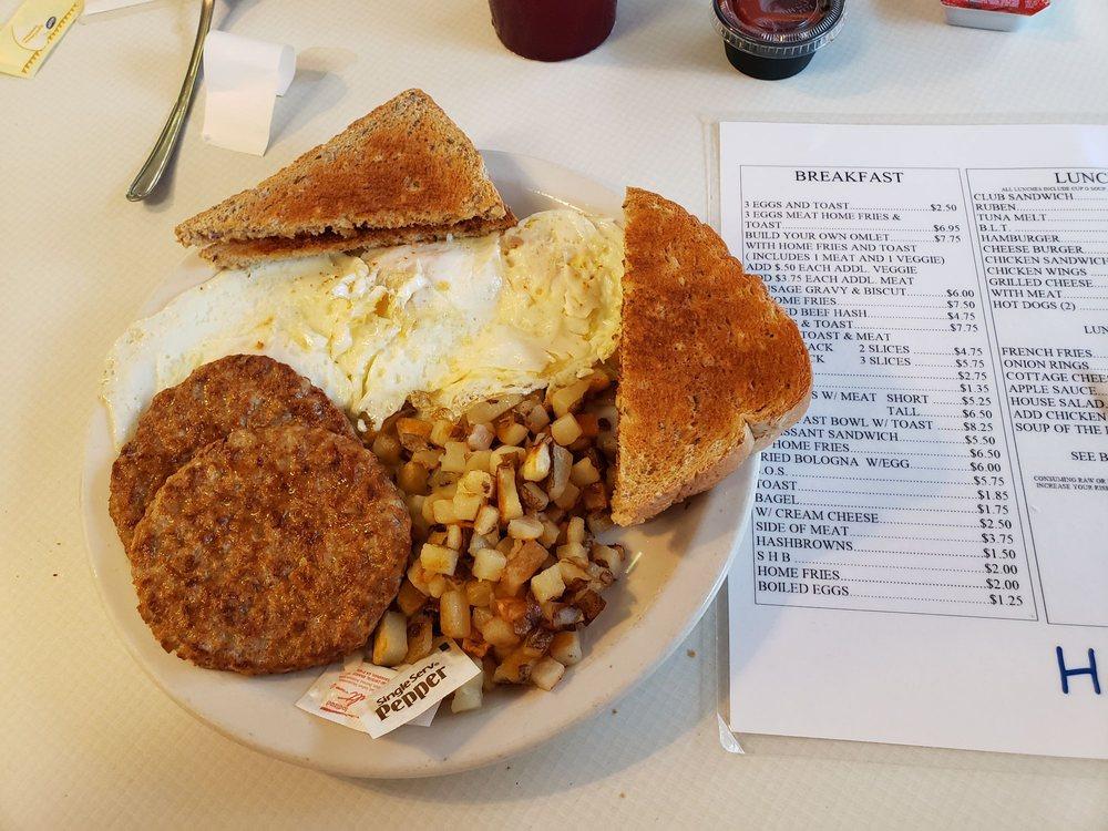 Angela's Café: 268 Lake Rd, Conneaut, OH