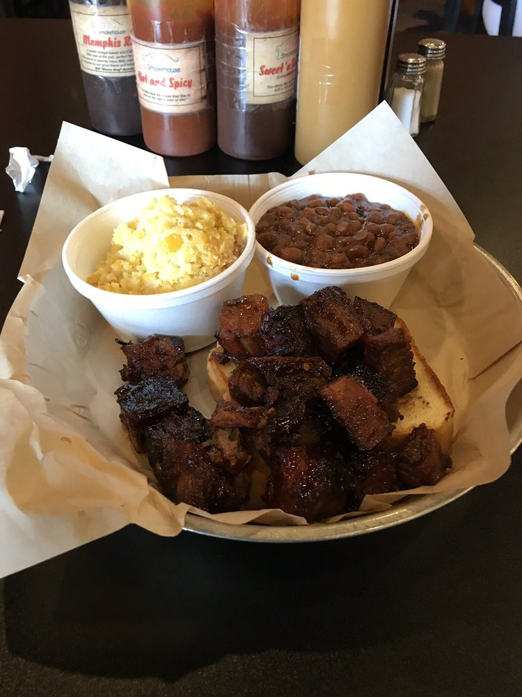 Food from Doc's Smokehouse