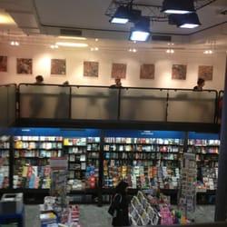 Librerie feltrinelli chiuso librerie via zamboni 7 for Riviste feltrinelli