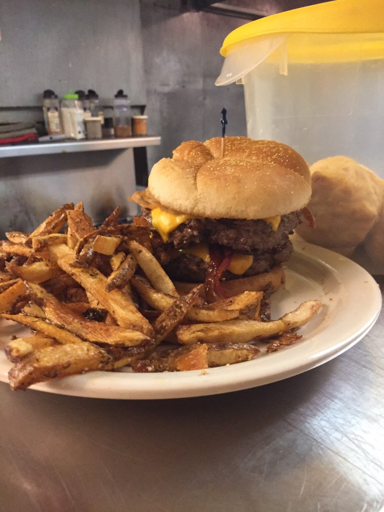 Hungry Moose: 4808 W Farmington Rd, Peoria, IL