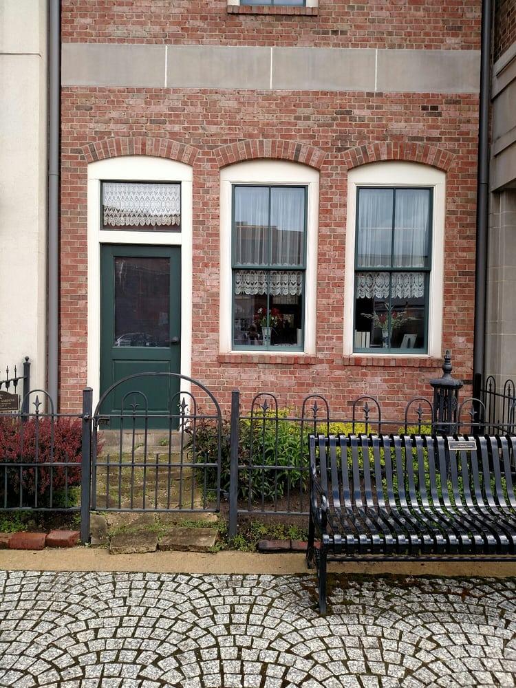Vermeer Mill: 714 E 1st St, Pella, IA