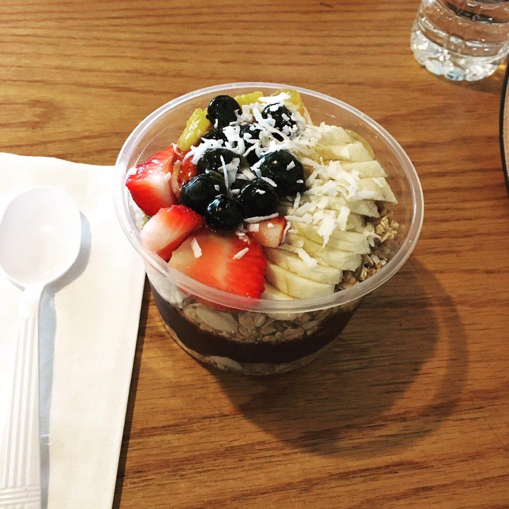 Beach Bowl Acai Cafe Islip
