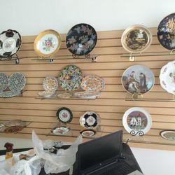 photo of the artisan spot miami fl united states antique decorating plates - Artisan Home Decor