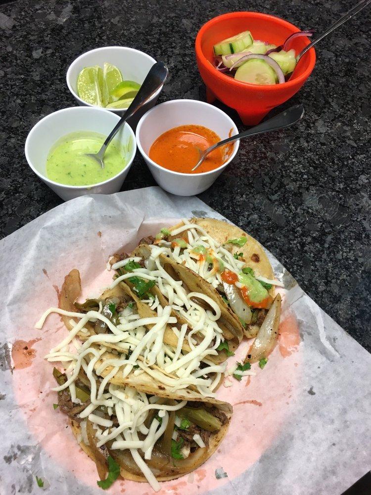 Chuchos Tacos: 5371 10th Ave N, Greenacres, FL