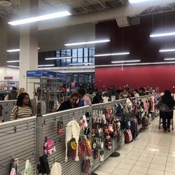 9f332a3b14dde Tommy Hilfiger Outlet Edison, NJ - Last Updated February 2019 - Yelp