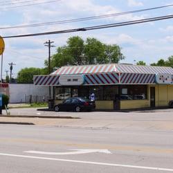 Richie s fast food restaurant 15 reviews fast food for Hook fish chicken cincinnati oh