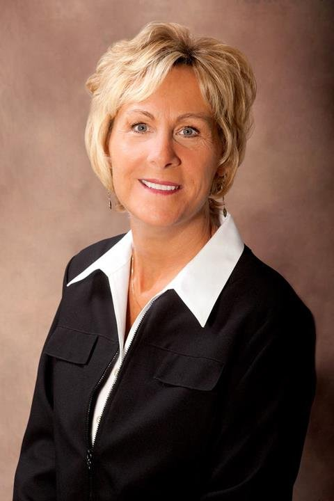 Mary Schwartz - Real Estate Agent - Dubuque IA: 4029 Pennsylvania Ave, Dubuque, IA