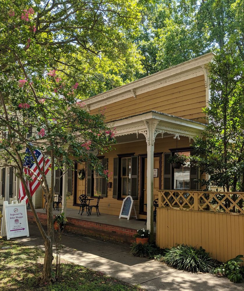 Sugared Fig Bake Shoppe: 407 S Broad St, Edenton, NC
