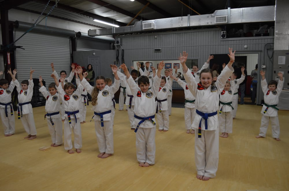 McLean's Martial Arts And Fitness: 1490 Celeste Rd, Saraland, AL
