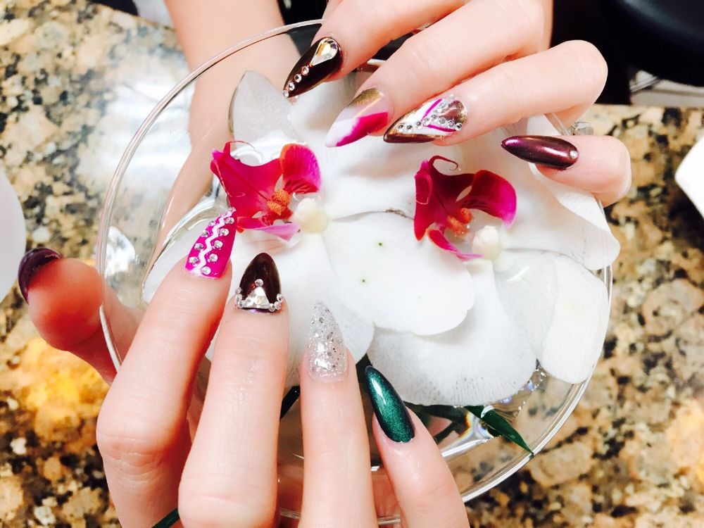 Queen Nails: 5129 Illinois Rd, Fort Wayne, IN