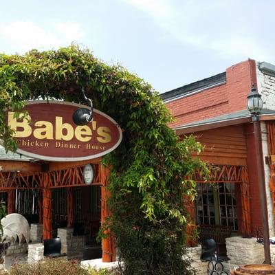 Babe S Chicken Dinner House 114 W Pearl St Granbury Tx Restaurants