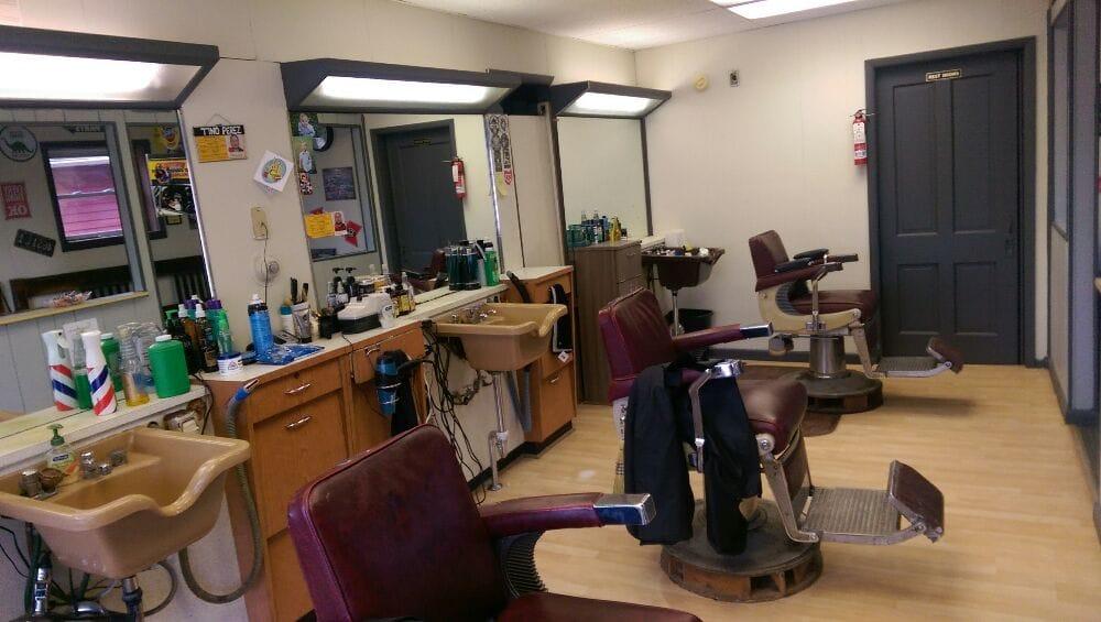 Mug & Brush Barber Shop: 125 S Main St, London, OH