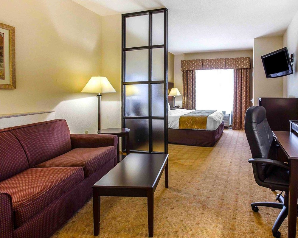 Comfort Suites: 103 Dunbar Rd, Byron, GA