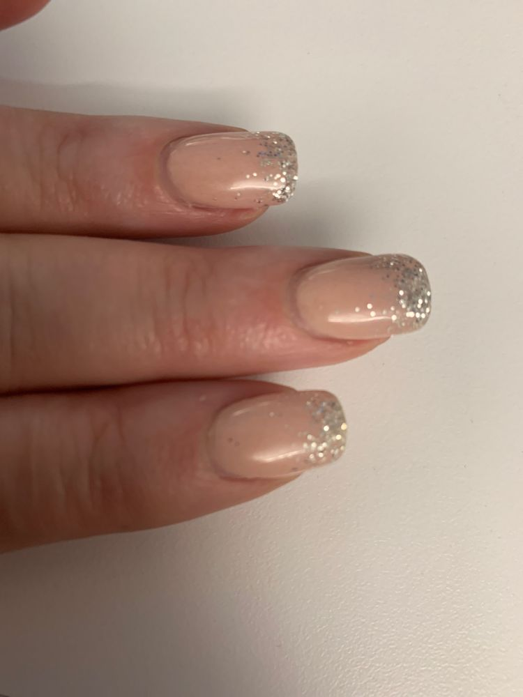 A-1 Nails: 4 Town And Country Market Pl, Warrenton, MO
