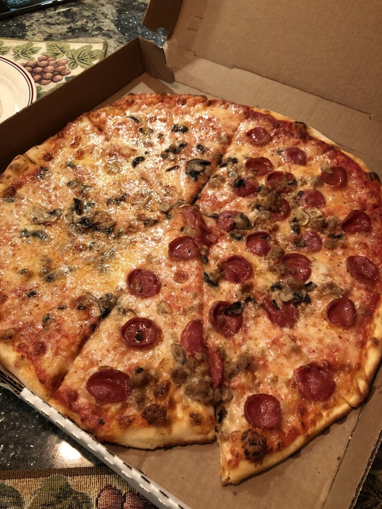 Jake's Pizza: 428 Broad Ave, Belle Vernon, PA