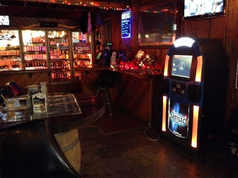 Kodiak Bar & Grill: 929 SE Stephens St, Roseburg, OR