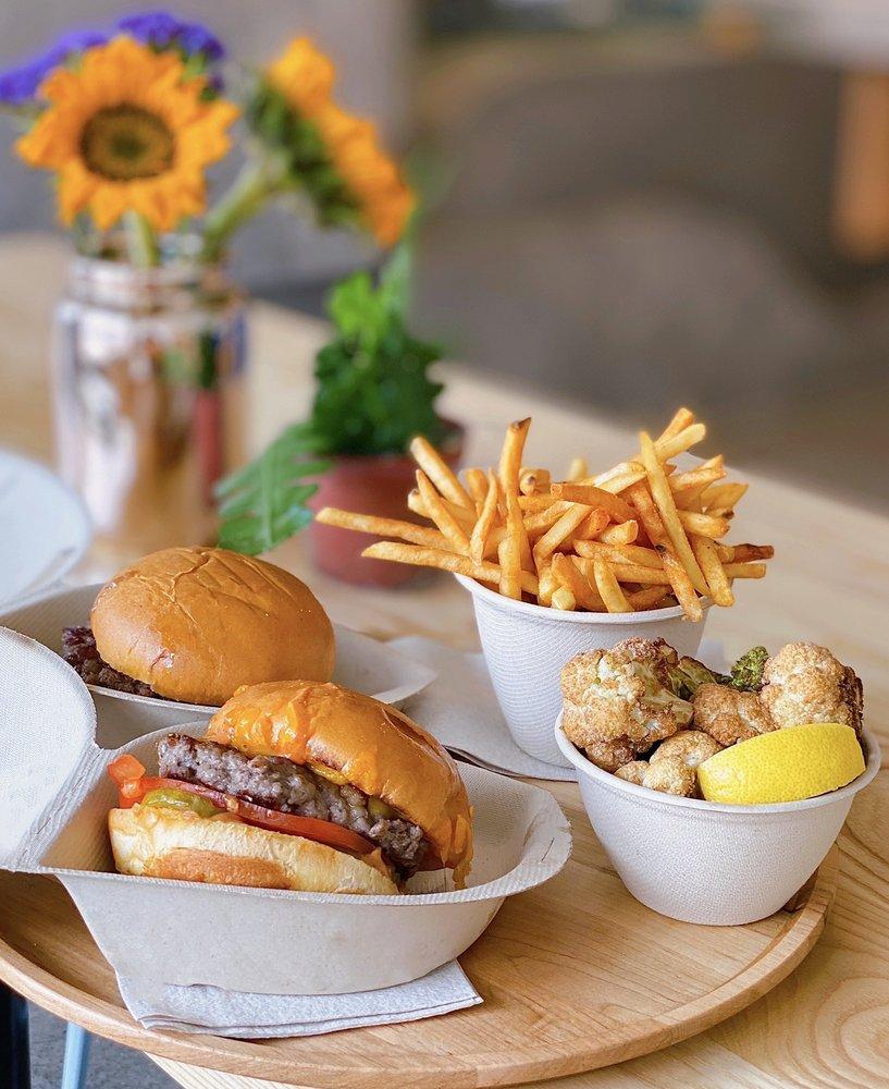 Creator Burger: 514 Westlake Ctr, Daly City, CA