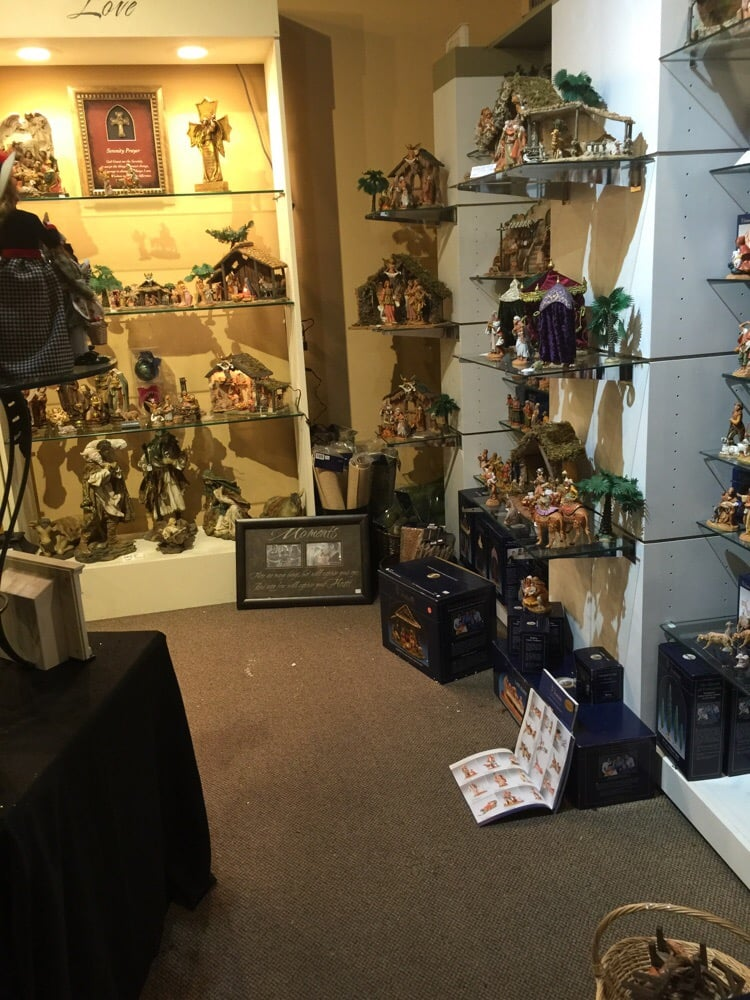 Holidaze and Gifts: 3400 Preston Rd, Plano, TX
