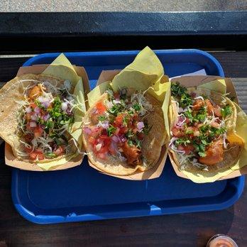Oscar s mexican seafood 209 photos 205 reviews for Oscars fish tacos san diego