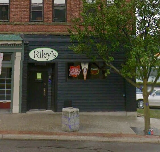 Riley's Nightclub: 155 W Main St, Ashland, OH