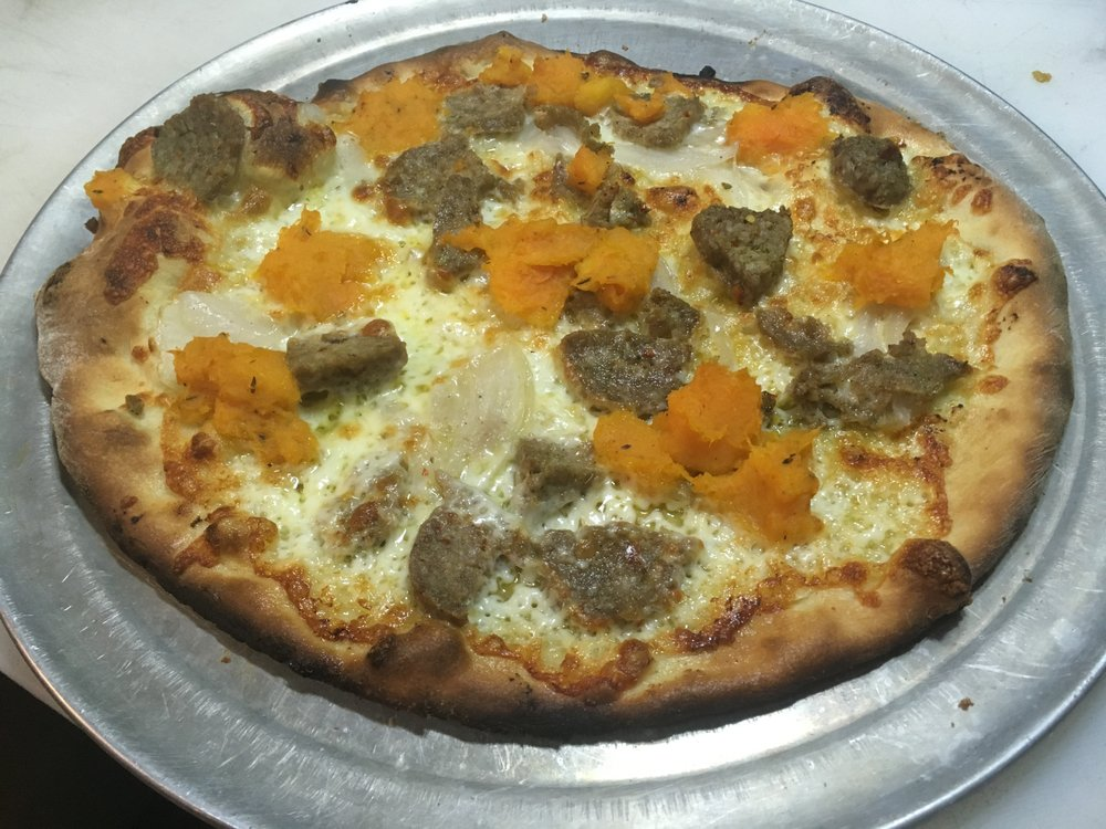 Embers Wood Fired Pizza: 198 E Lincoln Ave, hayden, CO