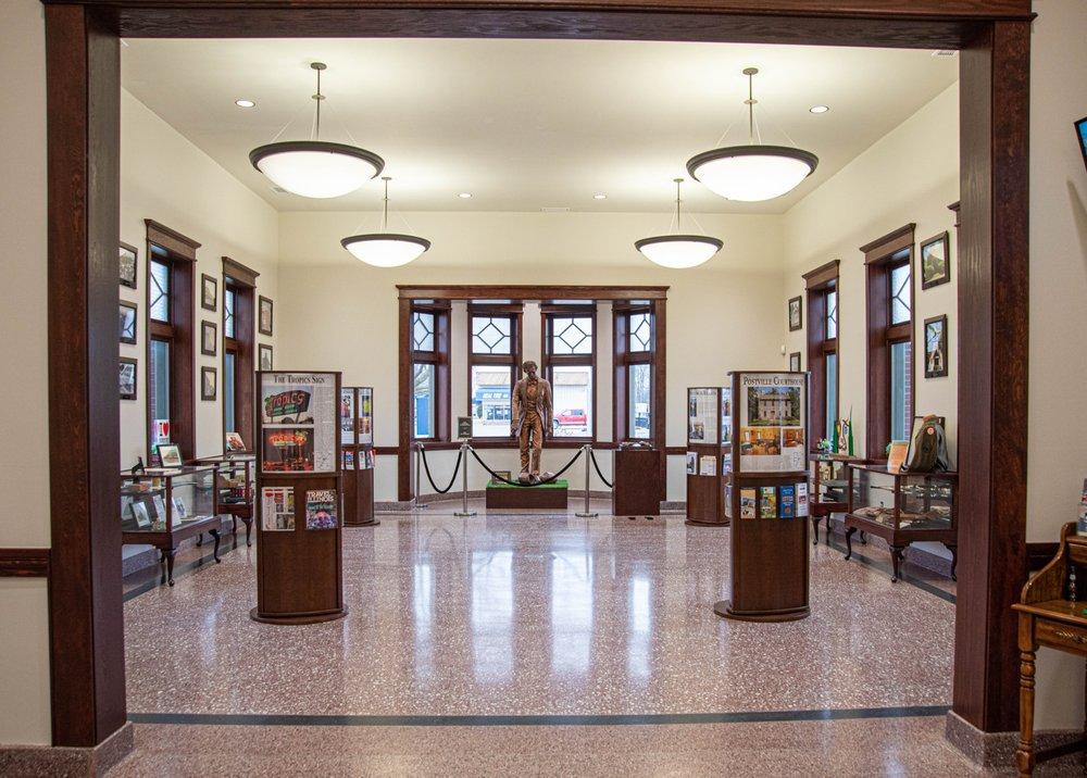 Logan County Tourism Bureau: 101 N Chicago St, Lincoln, IL